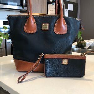 Handbag with matching wristlet